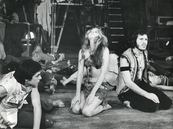 """#RetroSerbia Hippisowski musical """"Hair"""" w Belgradzie (1969)"""